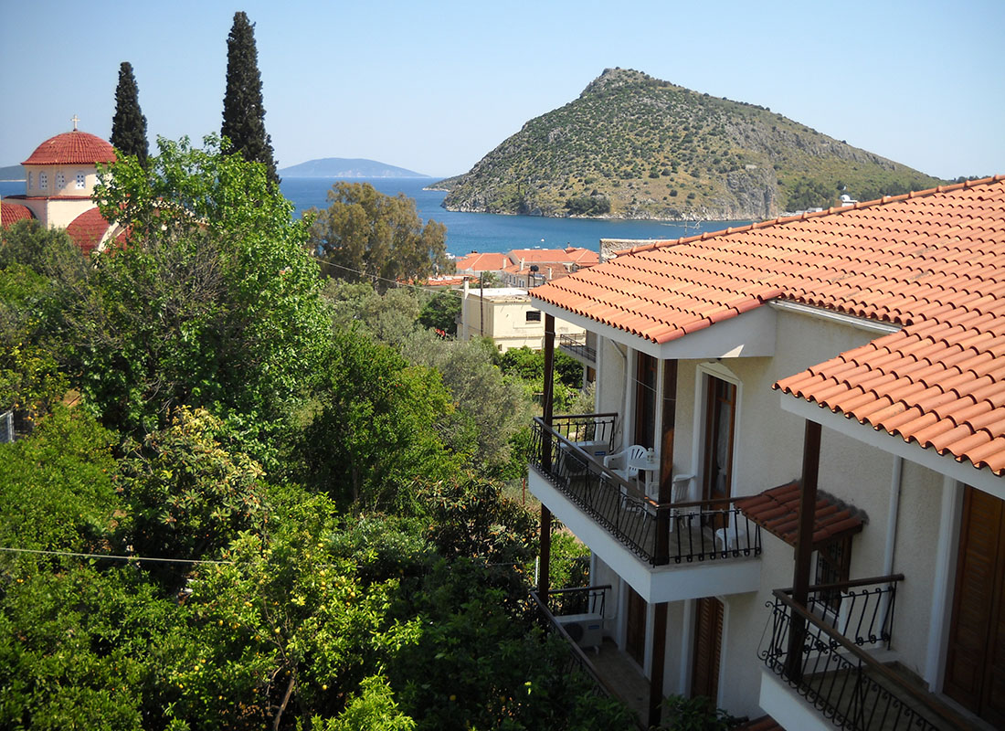 experiences in tolo - Oasis Apartments
